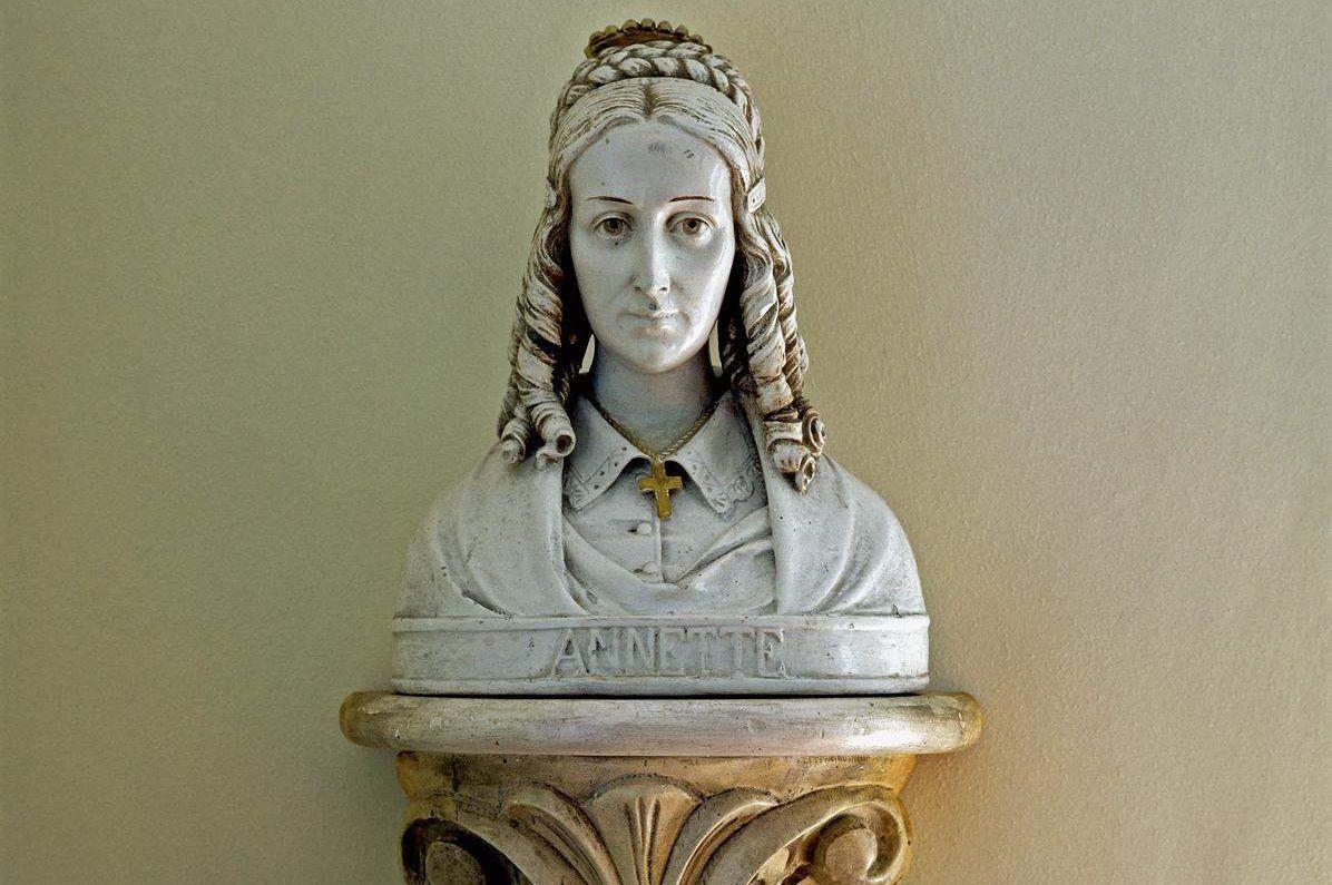 Petite maison princière de Meersburg, buste d'Annette von Droste-Hülshoff